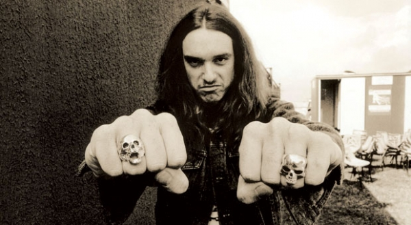 cliff-burton-metallica-e1474906608260